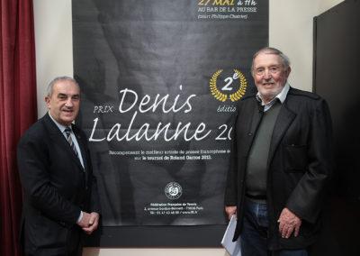 Jean Gachassin, président de la Fédération Française de Tennis, et Denis Lalanne, journaliste ô combien émérite, posent devant l'affiche de la deuxième édition du Prix. C'est parti pour une nouvelle aventure !