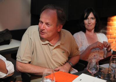 Le choix du bon mot, comme on choisit sur un court le bon angle, selon Patrice Clerc. Á ses côtés, on reconnaît Sylvie Poulain de Ligt, déléguée par la Fédération Française de Tennis à l'organisation du Prix.