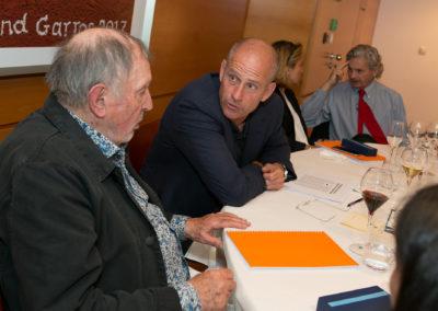 Échange d'arguments avant la décision finale. On peut admirer les conciliabules entre Denis Lalanne et Guy Forget, entre Géraldine Pons et Alain Frachon.