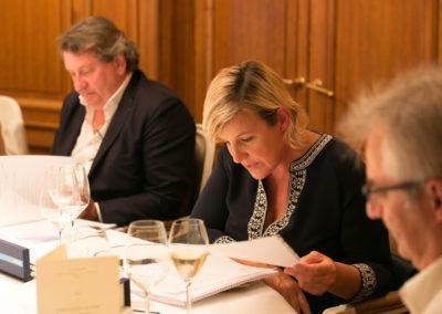 Place aux débats… Céline Géraud, présidente du Jury – et ancienne vice-championne du monde de judo –, oblige Christophe Penot et Philippe Peyrat, ainsi que l'ensemble des jurés, à regarder au plus près les dix-huit articles en lice.